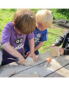 Børn arbejder med fedtsten