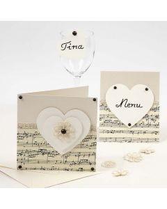 Indbydelse, bordkort og menukort med noder og hjerter