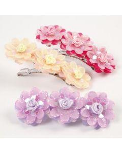 Hårspænder dekoreret med organzablomster og pailletroser
