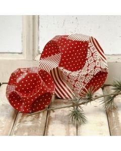 Click ornamenter af færdigudstansede kartonstrimler