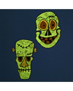 Frankensteins monster og kranium ophæng lavet af hårdfolie og selvlysende vinduesmaling