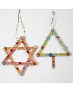 Stjerne og juletræ af dekorerede ispinde