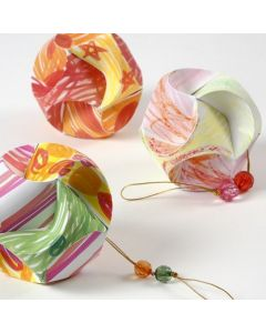 Tuschmalet og samlet click ornament