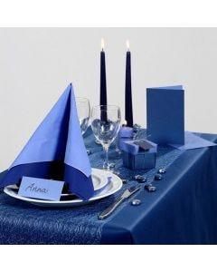 Inspiration til fest med blå borddækning, bordkort og bordpynt