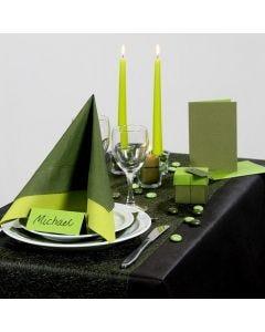 Inspiration til fest med grøn borddækning, bordkort og bordpynt