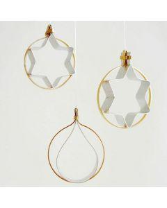 Figurative ophæng af flad alutråd i guld og sølv