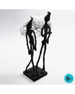 Skulptur af vindseltråd, malertape og Foam Clay