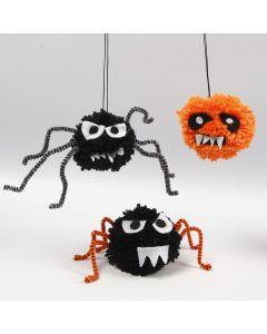 Edderkopper og halloween kryb af pomponer, chenille og filt