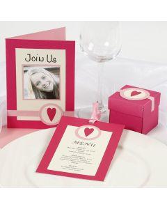 Indbydelse, æske og menukort i pink og rosa med hjerte