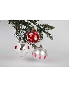 Pyntelige julekugler i rødt og sølv