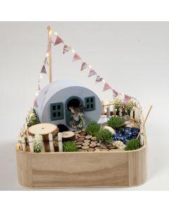 Miniature campingplads i bakke