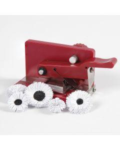 Blomster af papirstrimler lavet med quilling fringer