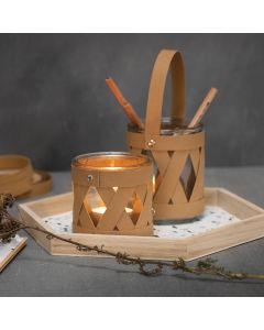Glas til lys og opbevaringsglas dekoreret med læderpapir flettestrimler