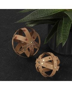 Dekorations kugler i læderpapir