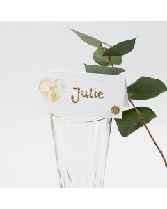 Bordkort pyntet med hjerte af pergamentpapir og glitter, dekorationsfolie og rhinsten