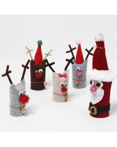 Julemand og rensdyr lavet af genbrugte paprør