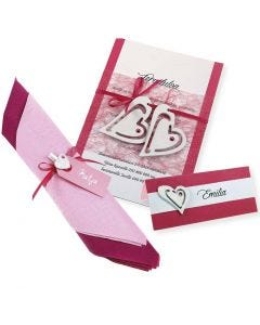Indbydelse og bordkort i pink med hvide hjerter