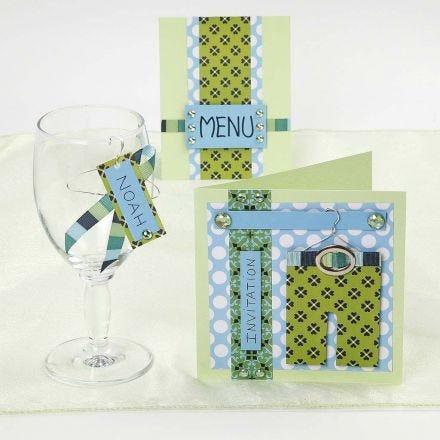 Invitation, bordkort og menukort med drengetøj i grøn og blå som tema
