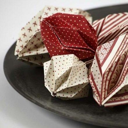 Origamifoldede kugler i Copenhagen designpapir