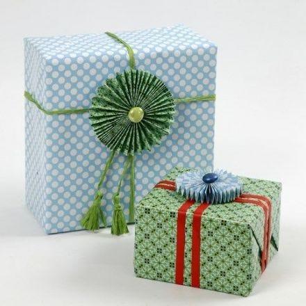 Indpakning og rosetter i papir fra Vivi Gade