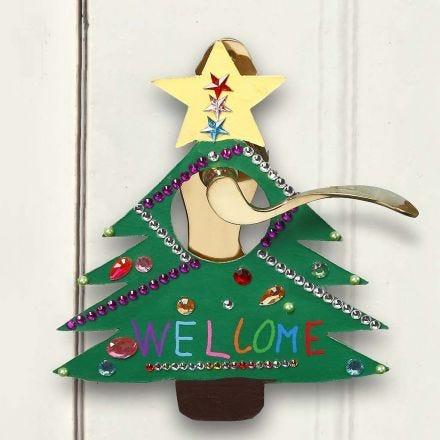 Malet og dekoreret skilt til jul