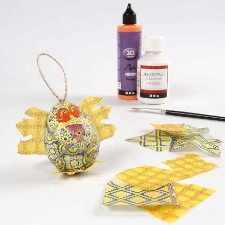 Påskekylling af papæg dekoreret med decoupage og 3D liner