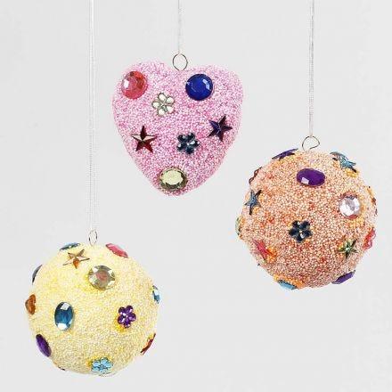 Hjerte og kugler med Foam Clay dekoreret med rhinsten