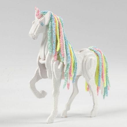 Hest forvandlet som enhjørning