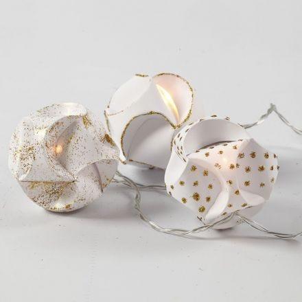 Lyskæde med click ornamenter pyntet med glitterlim i guld