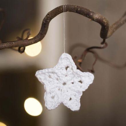 Lille hæklet stjerne i bomuldsgarn