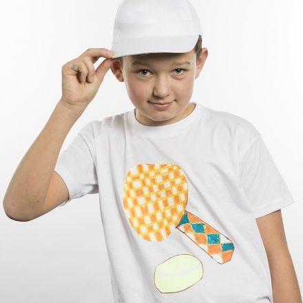 T-shirt dekoreret med tegning på transferark