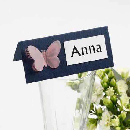 Bordkort med sommerfugl af udstanset pergamentpapir
