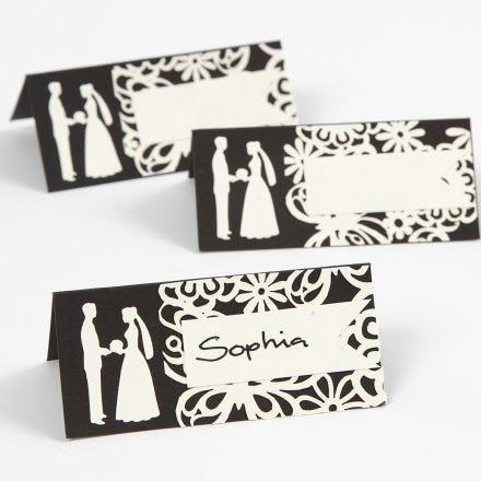 Bordkort med udstanset bryllup motiv og blondekarton