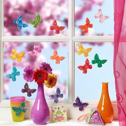 Farverige sommerfugle lavet af Fimo ler