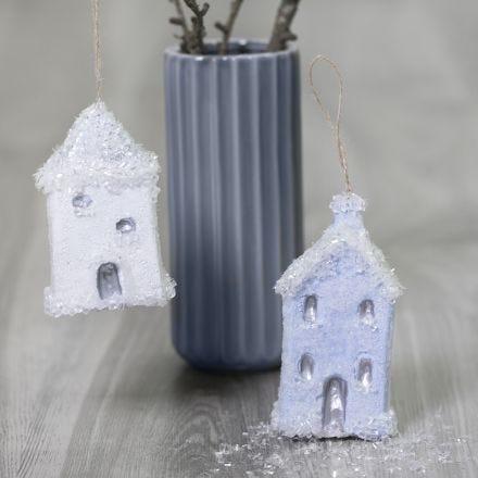 Julehus til ophæng pyntet med Sticky Base og glitter drys