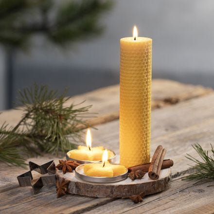 Hjemmelavet lys af naturlig bivoks