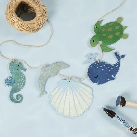 Guirlande med havdyr i træ dekoreret med hobbymaling