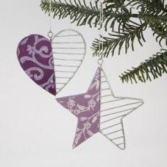 Træhjerte og- stjerne med papirdekoration