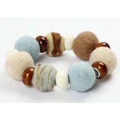 Armbånd med uld og keramik