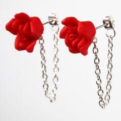 Ørestikker med kæde og blomst