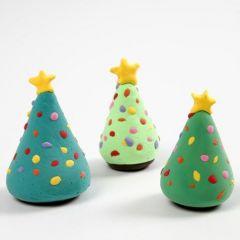Juletræ med juletræspynt af Silk Clay