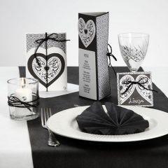 Bordpynt, bordkort og invitation i sort og hvid med filigranhjerte
