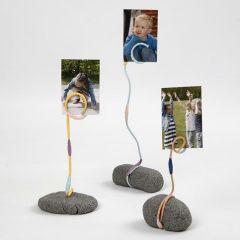 Fotoholder af Stone Clay, alutråd og blomstertape
