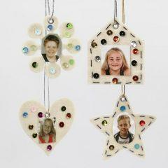 Blomst, hjerte, hus og stjerne i filt pyntet med rhinsten og foto