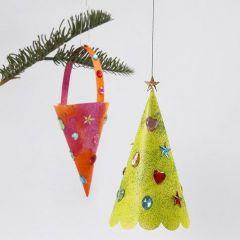 Kræmmerhus og juletræ med glittermaling og rhinsten