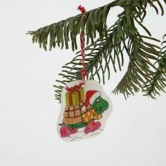 Ophæng af krympeplast med julemotiv