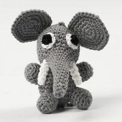Hæklet elefant, der sidder