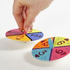 Snurretop, dekoreret med farver og tal