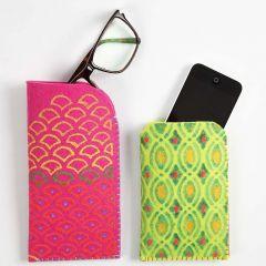 Brilleetui / mobiletui af kraftig filt med tekstildekoration