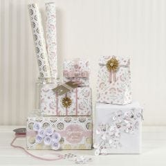 Gaveindpakning med materialer i romantisk design fra Vivi Gade
